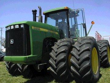 Трактор колісний JOHN DEERE 9400